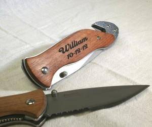 laser-engraved-pocket-knives