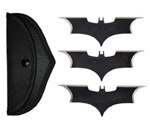 batman-throwing-knives-replica